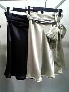 ★サテンスカート★